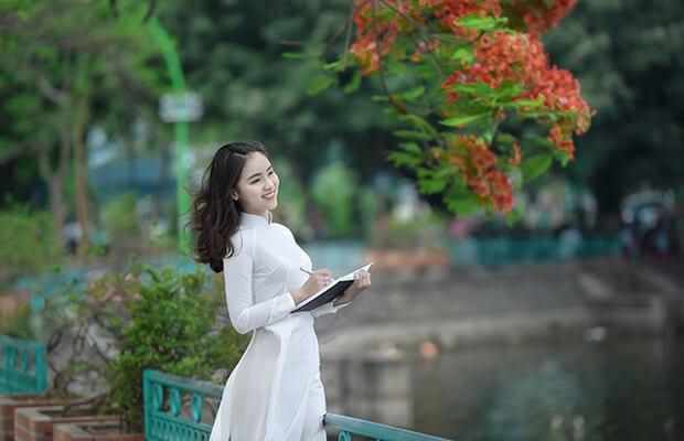 Phân tích bài thơ Chiều tối (Mộ) của Hồ Chí Minh (bài viết hay)