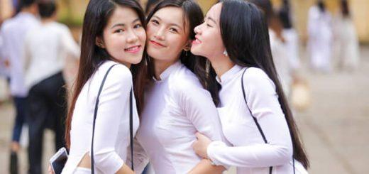 """anh hot girl hoc sinh cap 3 om nhau 520x245 - Phân tích bức tranh tứ bình trong bài thơ """"Việt Bắc"""" của Tố Hữu"""