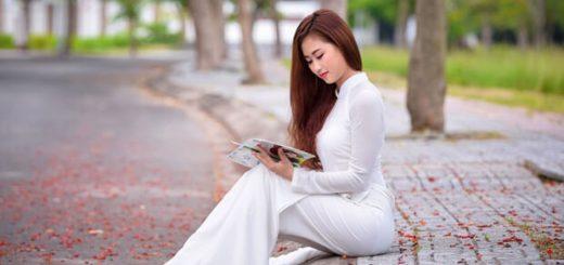 nu sinh dep mo95757972 520x245 - Phân tích hình ảnh người bà trong bài thơ Đò Lèn của Nguyễn Duy